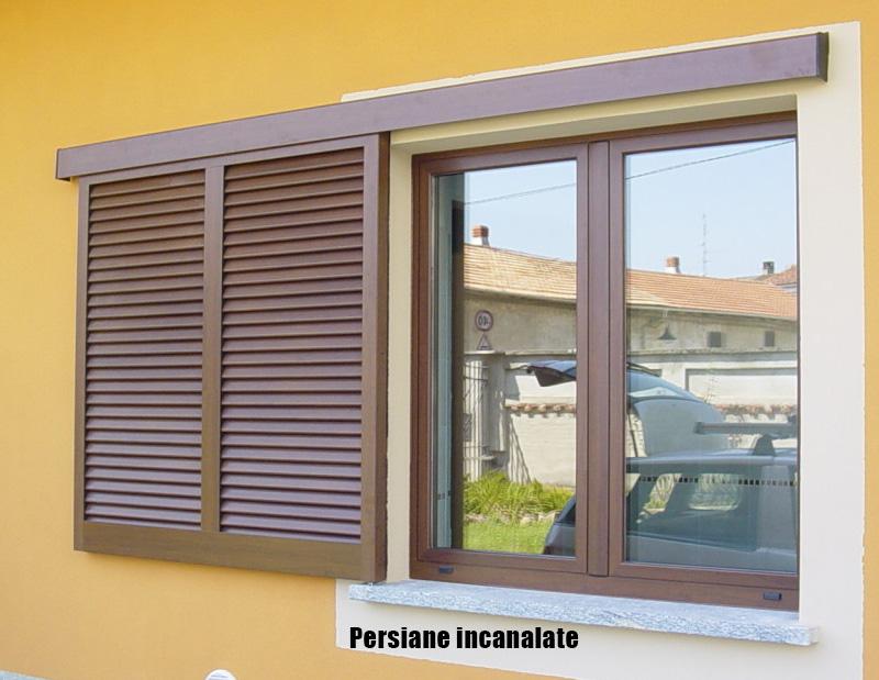 Riverniciare persiane in legno costi - Verniciare finestre pvc ...